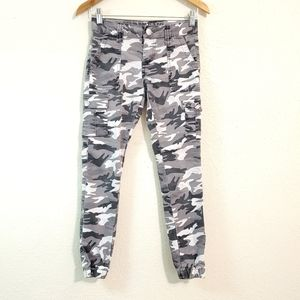 VIP Jeans Gray Camo Cargo Stretch Pants